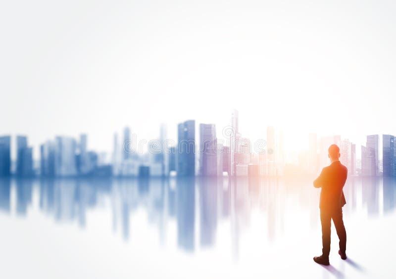 Buesiness mężczyzna jest ubranym kostium i przyglądającego pejzaż miejskiego zdjęcia stock