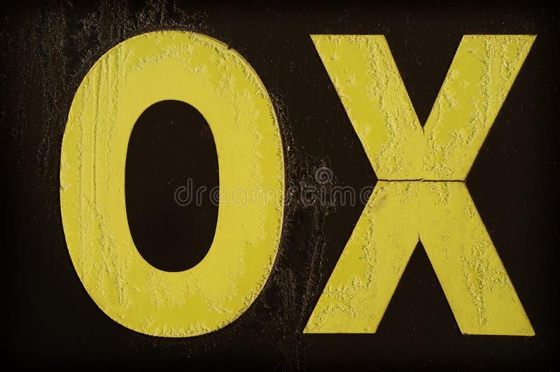 BUEY amarillo de la letra cubierto con helada imágenes de archivo libres de regalías