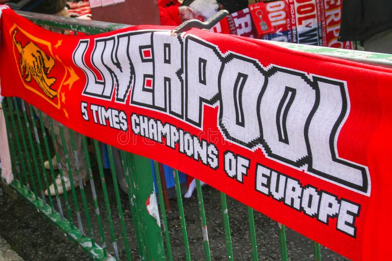 Bufanda para las fans de Liverpool imagenes de archivo