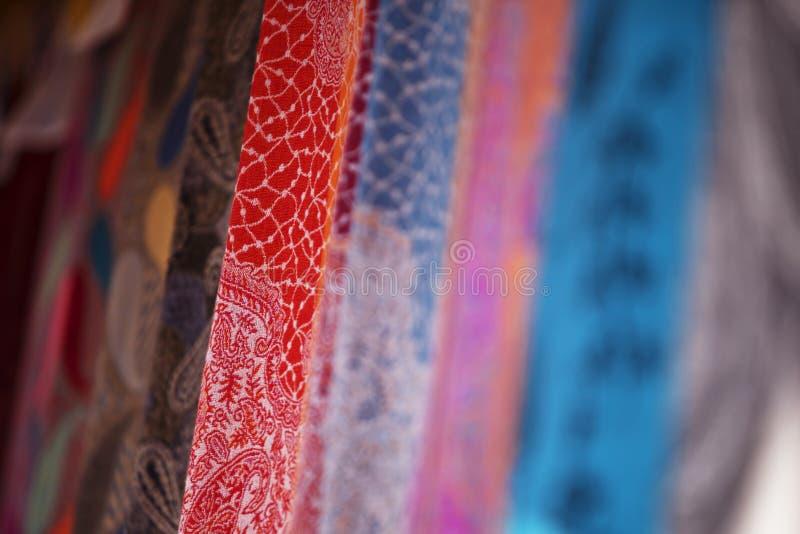 Bufandas turcas coloridas fotografía de archivo libre de regalías