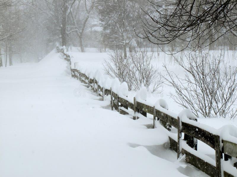 Bufera di neve in febbraio immagini stock