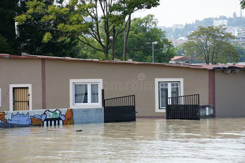 Bufet pod wodą - nadzwyczajna powódź na Danube w Bratislava, zdjęcie stock