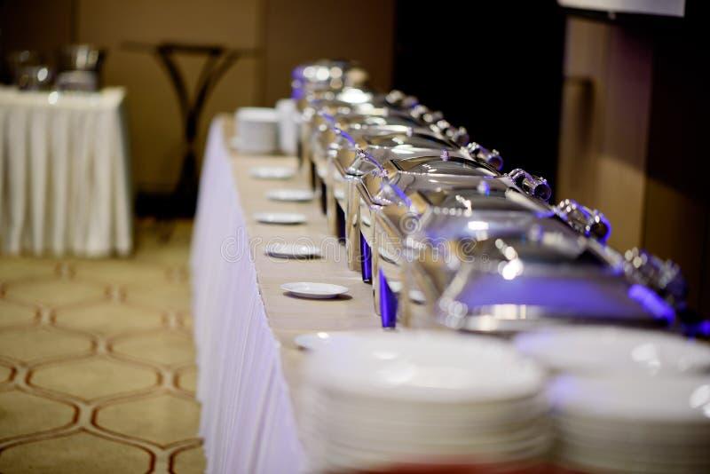Bufeta jedzenie, cateringu jedzenia przyjęcie przy restauracją, mini canapes, przekąski i zakąski, fotografia royalty free