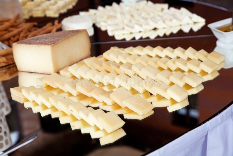 Buffé med ost royaltyfri bild