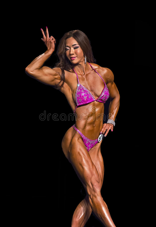 Buff Korean Beauty Competes i fysik i Vancouver royaltyfri foto