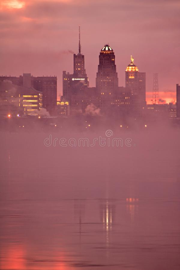 Buffalo, orizzonte di New York alla luce di primo mattino fotografia stock