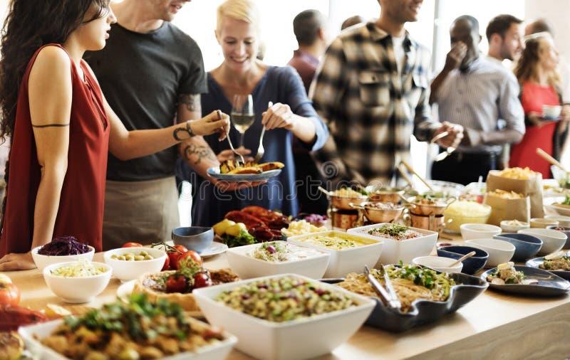 Buffet-Abendessen-Restaurant-Verpflegungs-Lebensmittel-Konzept lizenzfreies stockbild
