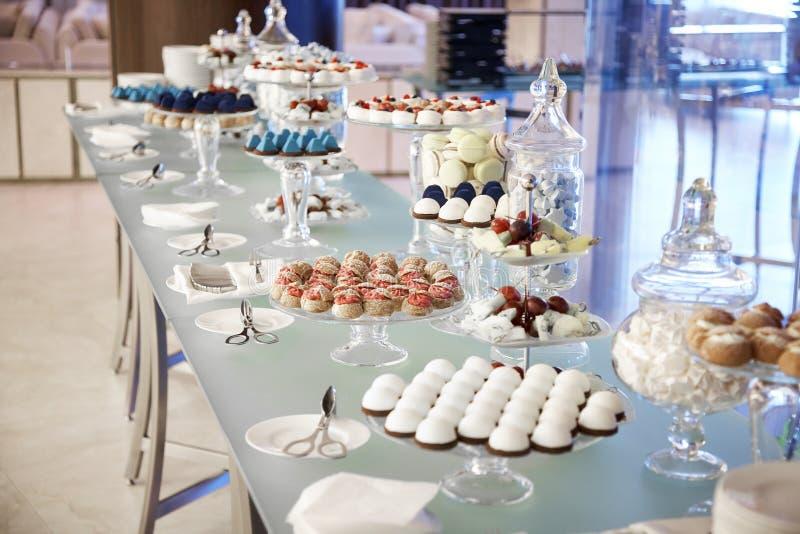 Buffet cupcakes snoepjes royalty-vrije stock foto