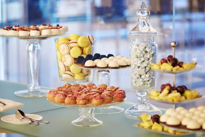 Buffet cupcakes snoepjes royalty-vrije stock fotografie