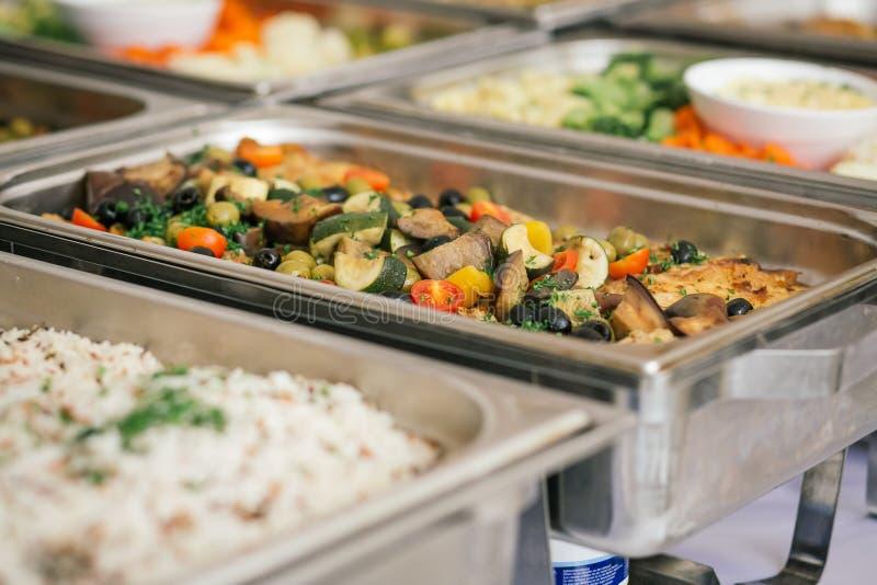 Buffet de nourriture de mariage de restauration photographie stock libre de droits