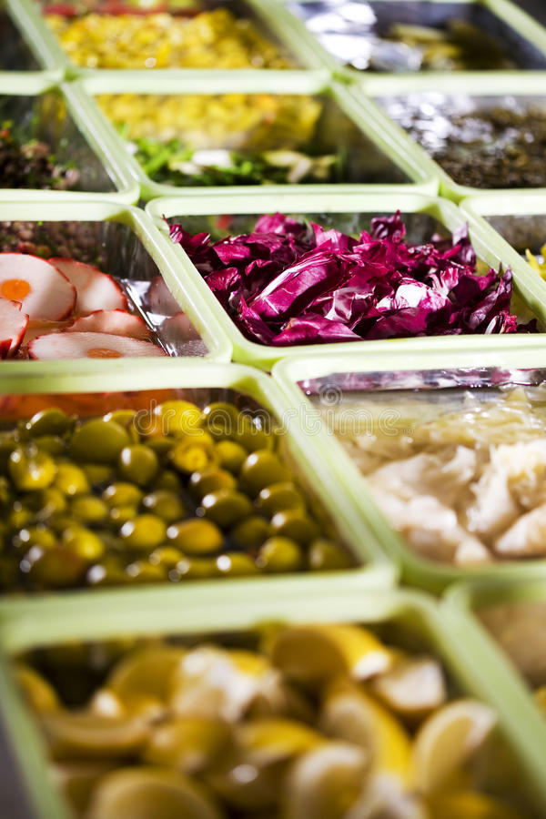 Buffet dell'insalata fotografie stock libere da diritti