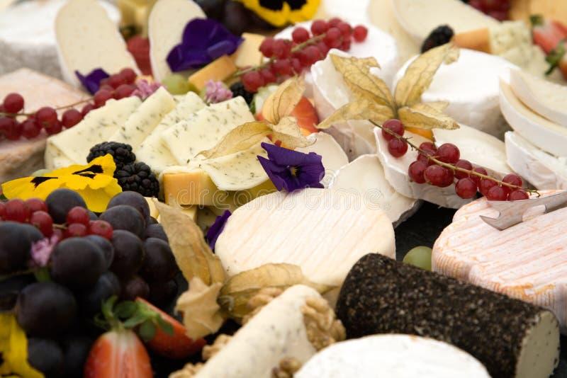 Buffet dell'uva e del formaggio fotografie stock