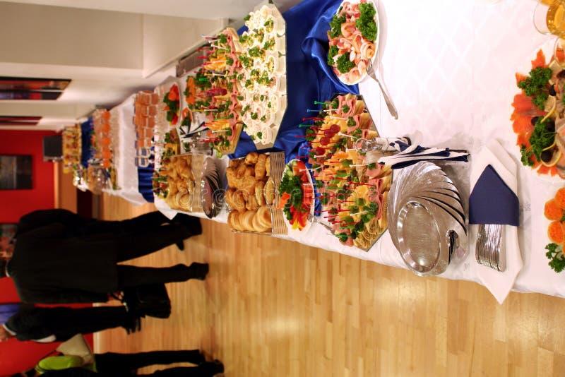 Buffet met snacks bij presentatie #1 stock foto
