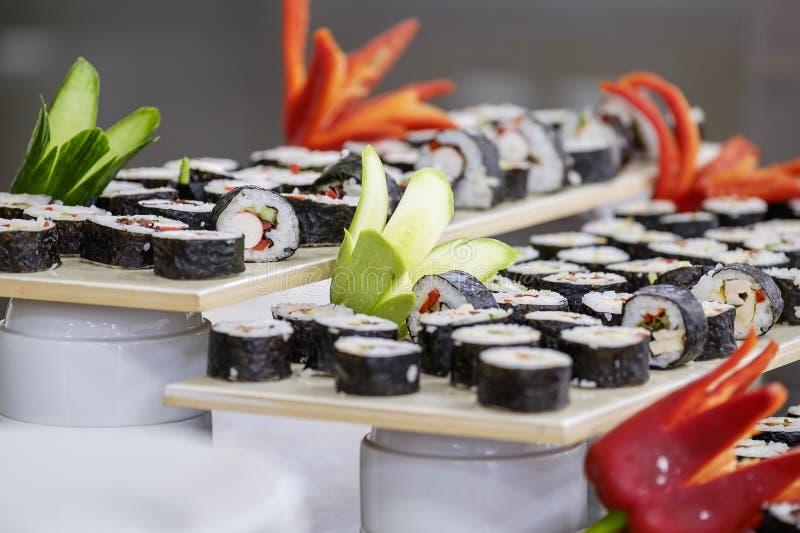 Buffet met sushi en broodjes 4 royalty-vrije stock afbeeldingen