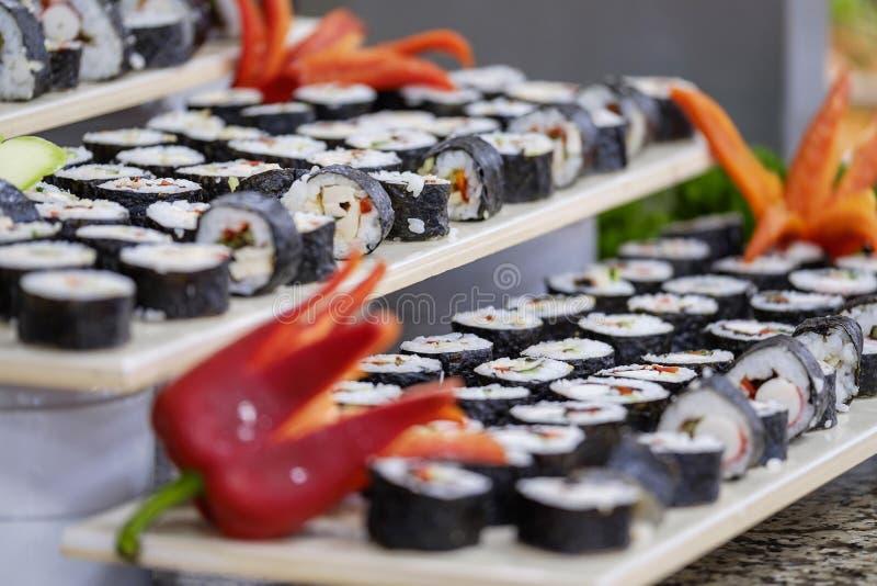 Buffet met sushi en broodjes 5 stock foto's