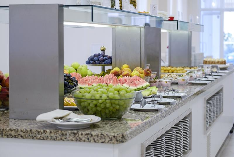 Buffet met vruchten en desserts 11 royalty-vrije stock afbeeldingen