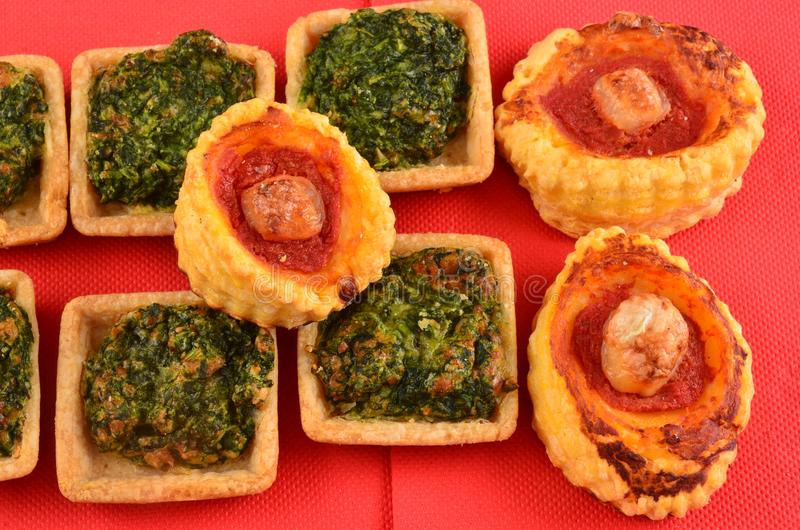 Download Buffet, Ossequi Sulla Tavola Fotografia Stock - Immagine di formaggio, approvvigionamento: 113658336