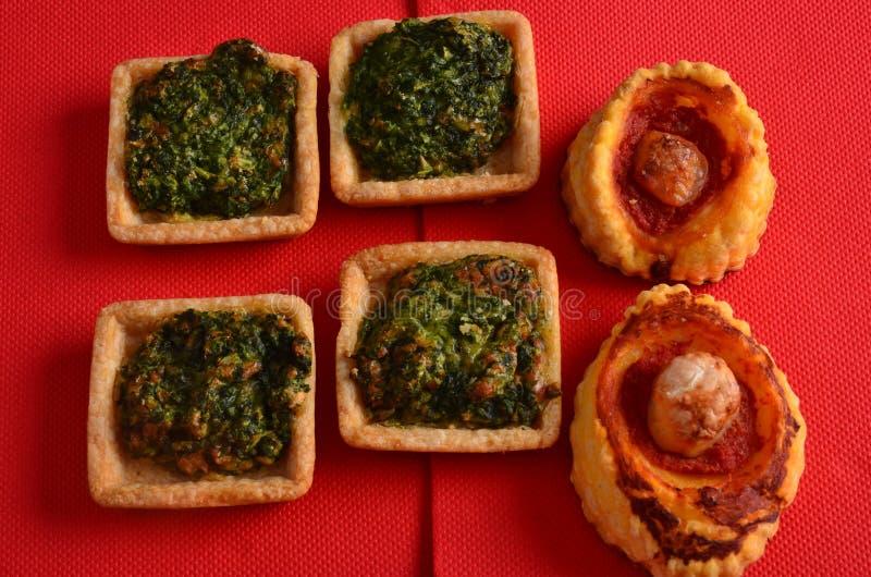 Download Buffet, Ossequi Sulla Tavola Immagine Stock - Immagine di formaggio, pane: 113666021