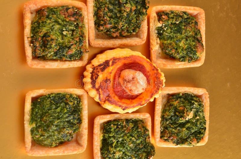 Download Buffet, Ossequi Sulla Tavola Fotografia Stock - Immagine di antipasto, hamburger: 113667162