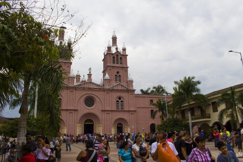 Buga,瓦尔del卡克塔省,哥伦比亚- 2017年1月9日:奇迹的阁下的大教堂 库存照片