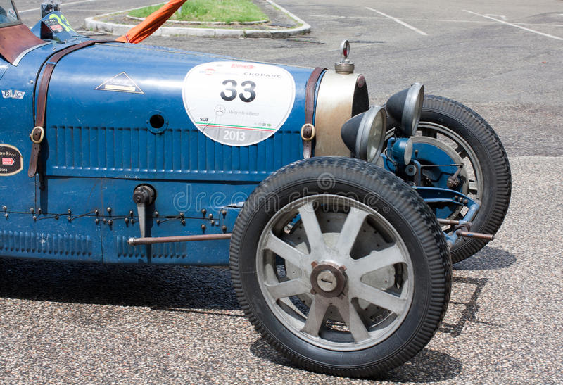 Bugatti在Mille Miglia的T 37 2013年 免版税库存照片