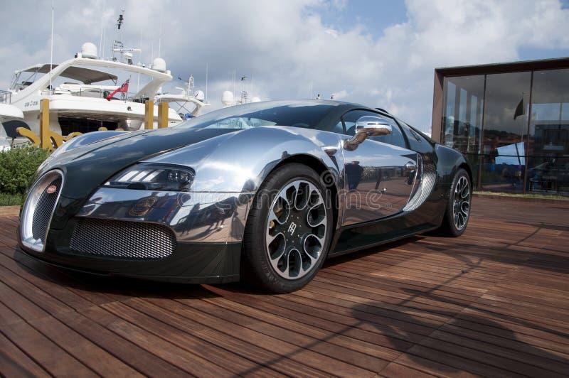 Bugatti Veyron绿色和铝 免版税库存照片
