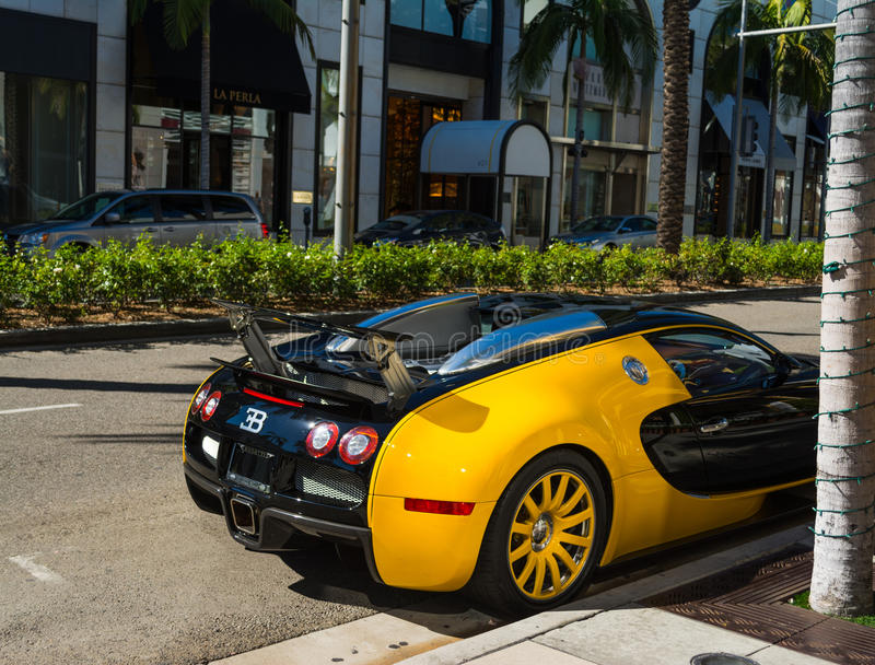 Bugatti Veyron na movimentação do rodeio, Beverly Hills fotos de stock royalty free