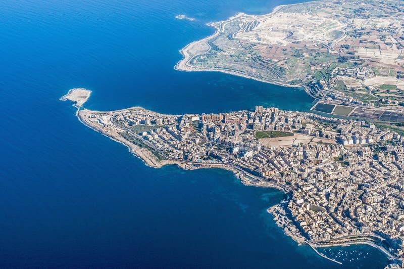 Bugibba à Malte comme vu de l'air image stock