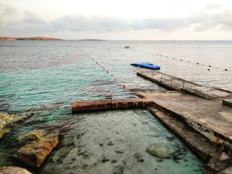 Bugibba-Bucht lizenzfreie stockfotos