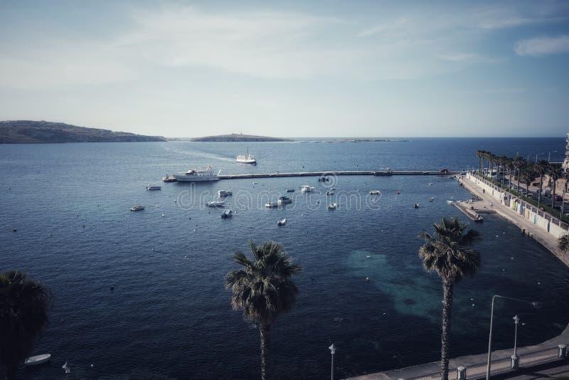 Bugibba-Ufergegend in Malta stockfotos