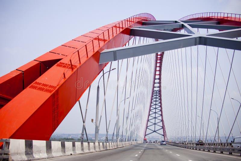 Bugrinsky路桥梁 编译的街市现代新西伯利亚俄国 免版税图库摄影