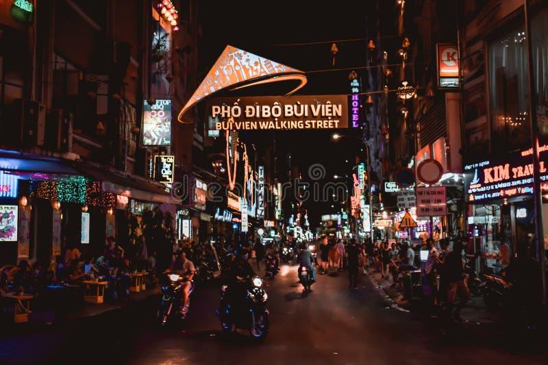 Bui Vien Walking Street in Saigon Ho Chi Minh City Vietnam fotografie stock libere da diritti