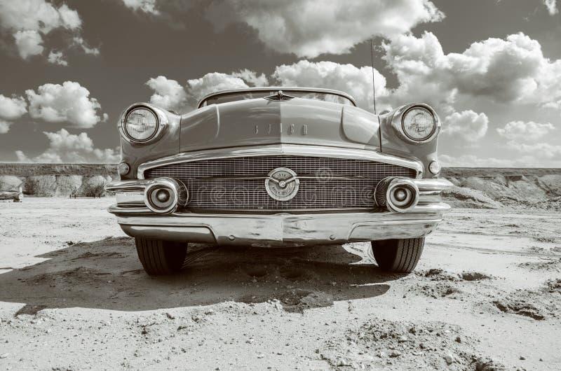 Buick sakkunnig 1956 fotografering för bildbyråer