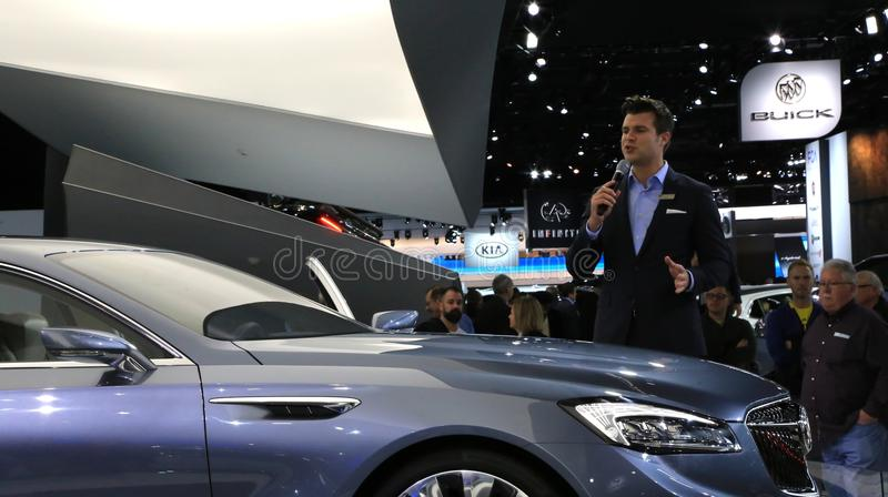 Buick wordt geïntroduceerd bij de autoshow stock afbeeldingen