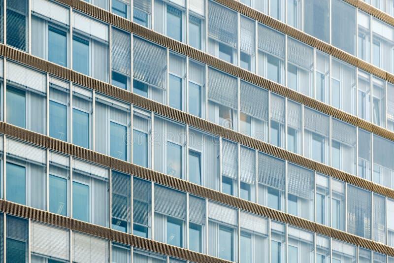 Buidling fasada - budynek biurowy powierzchowność zdjęcia royalty free