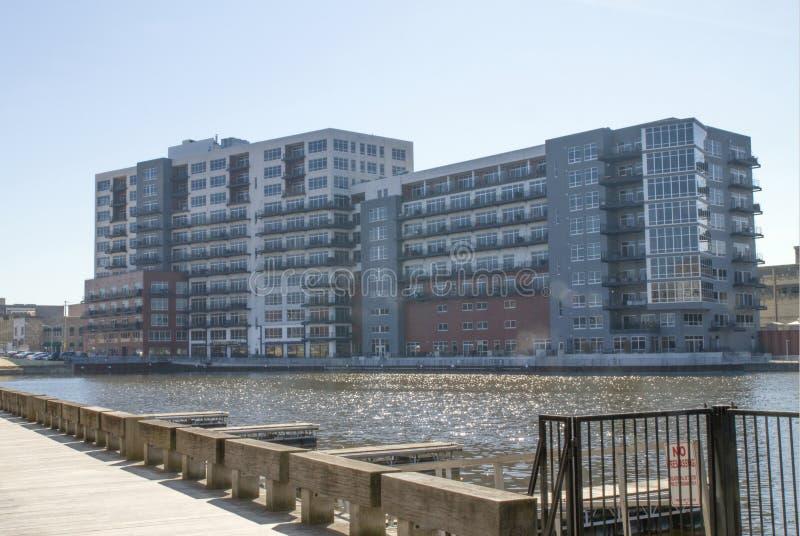 Buiildings in der Stadt von Milwaukee, WI, eine städtische Landschaft stockbilder