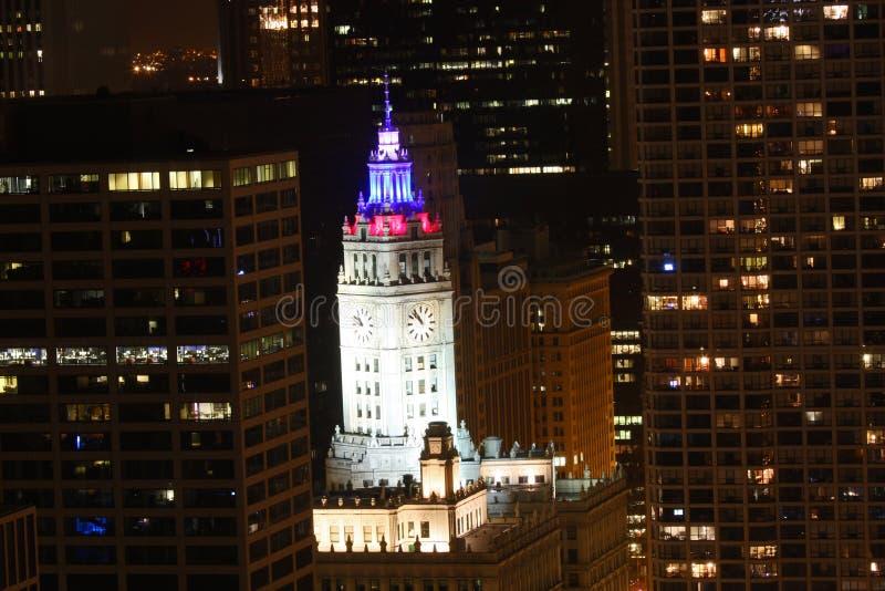 building chicago colored lights wrigley στοκ εικόνα με δικαίωμα ελεύθερης χρήσης