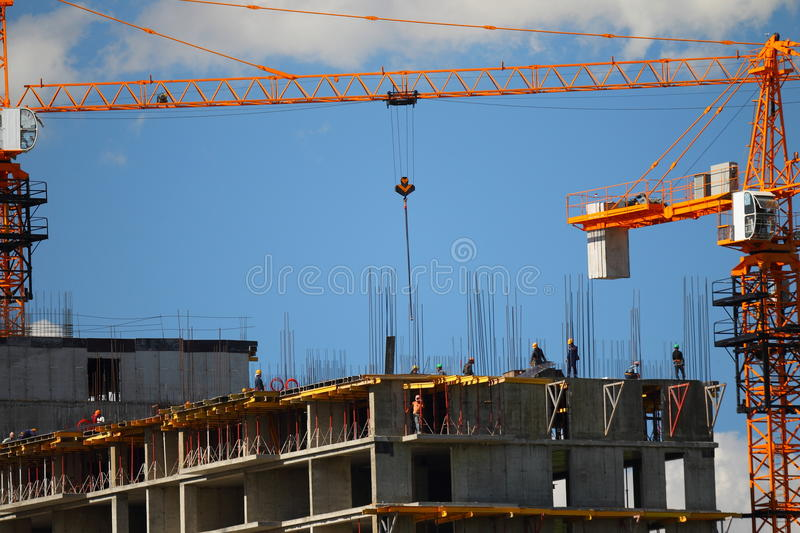 Download Building With Elevating Cranes Royalty Free Stock Photos - Image: 31440168