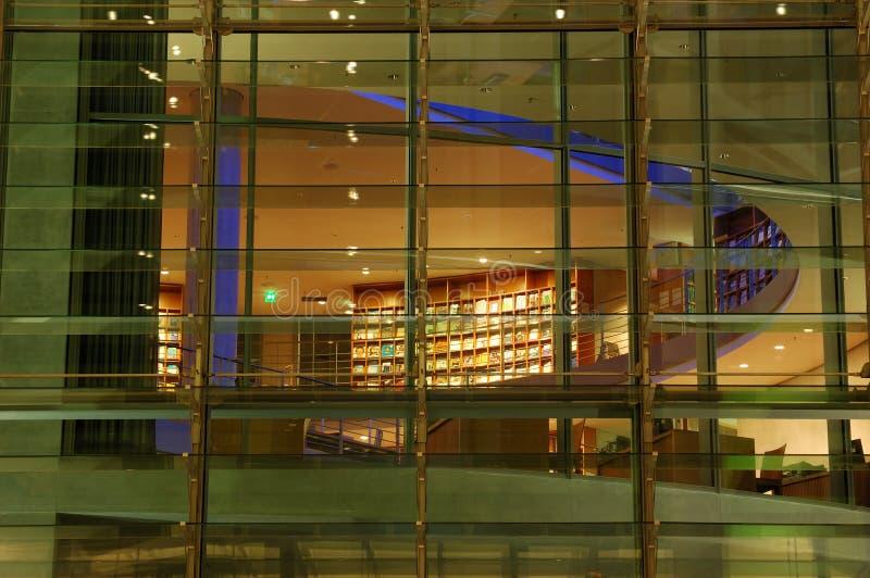 building illuminated modern στοκ φωτογραφία