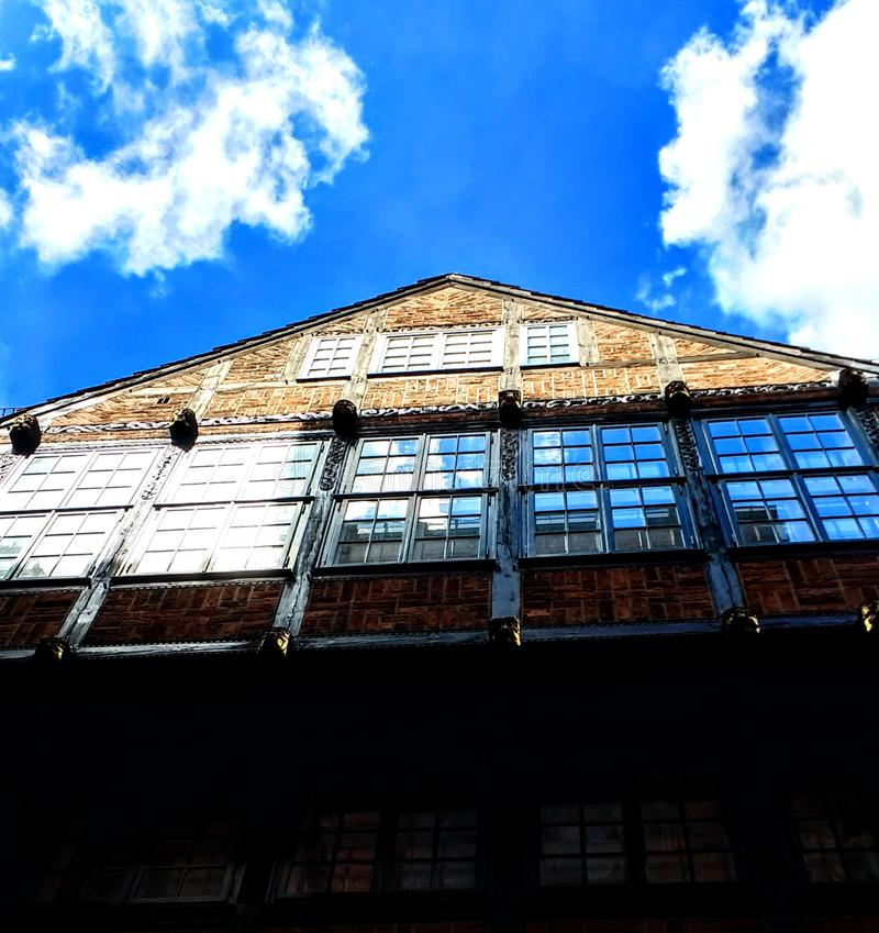 Architektur. Building sky cloud reflection stock photo