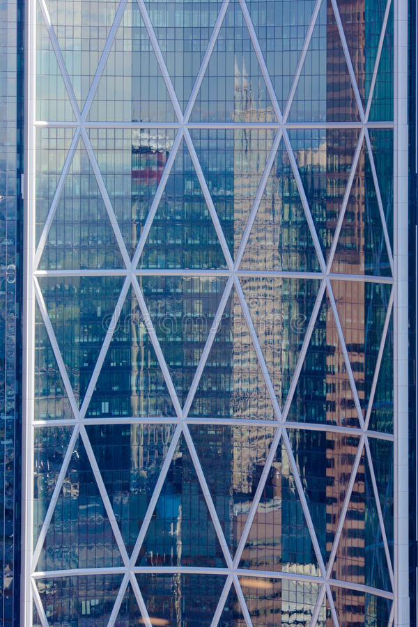 Free Building Window Reflection Royalty Free Stock Images - 35843209