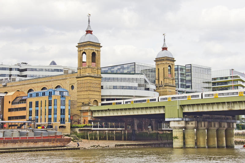 Download Buildings By The Thames River Stock Image - Image of perspective, bridge: 24646009