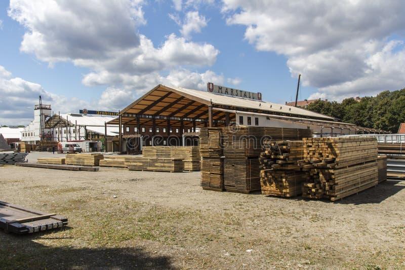 Buildup Oktoberfest namioty przy Theresienwiese w Monachium, 20 obraz stock