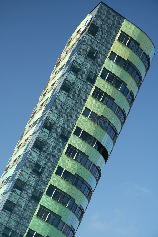 Download Builing Dell'azienda Di Energia Fotografia Stock - Immagine di geometrico, figure: 7310490