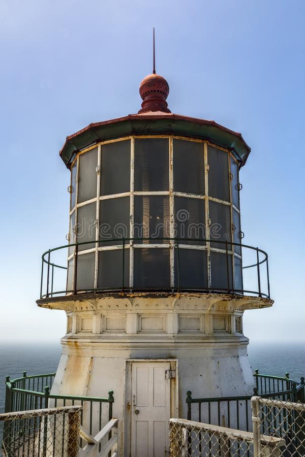 Point Reyes Lighthouse Lantern Room - California. Built in 1870, the point Reyes Lighthouse is on a rocky cliff over the Gulf of Farallones in Point Reyes stock photos