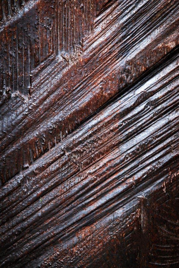 Buio marrone della scanalatura su vecchio legno fotografia stock libera da diritti