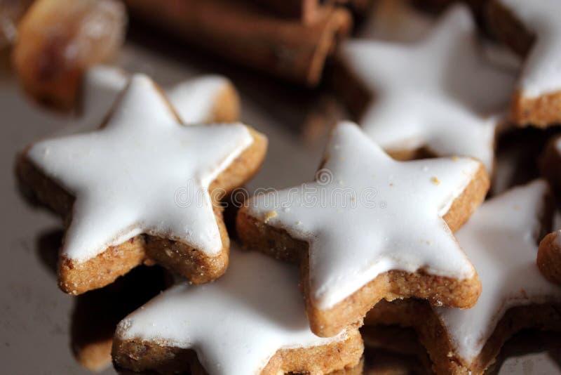 Buiscuits de la Navidad - estrellas fotografía de archivo