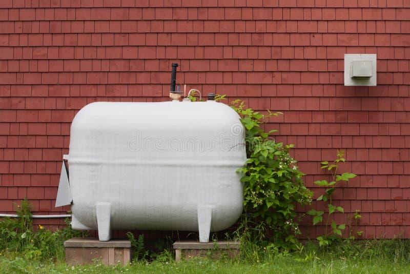 Buiten het Verwarmen Stookolietank stock fotografie