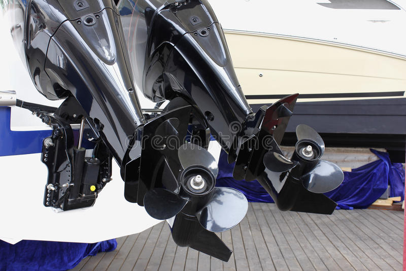 Buitenboordmotoren royalty-vrije stock afbeeldingen