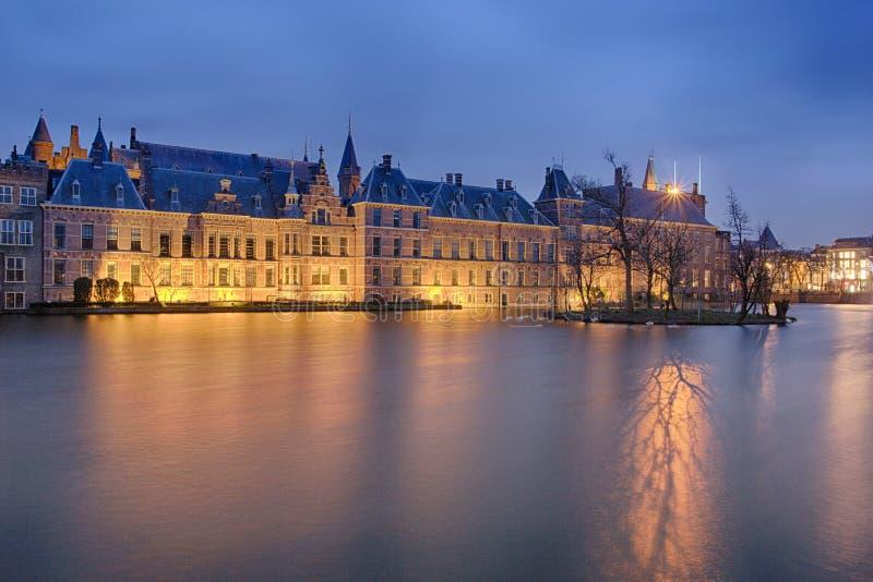 Buitenhof, Huizen van het Nederlandse Parlement in Den Haag stock foto